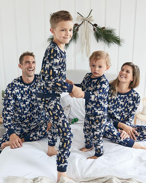 Ujemajoče se družinske pižame